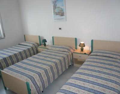 Трехместная спальня